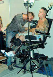 Hunde-Tattoo als Therapie